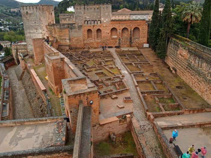 Самая старая часть Альгамбры - алькасаба