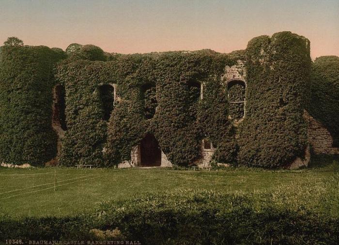 Фотография замка Бомарис сделанная в начале XX века