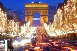 Где провести Рождество в Париже или Будапеште