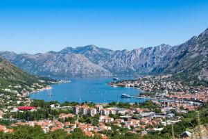 Черногория, маленькая страна, которая предлагает множество туристических достопримечательностей